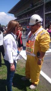 Ultimando detalles con los comisarios del Gran Premio